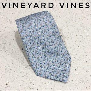 Vineyard Vines Bears and Bulls Print Silk Tie GUC
